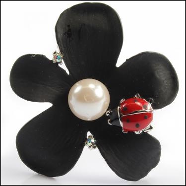 Blk Flower Brooc
