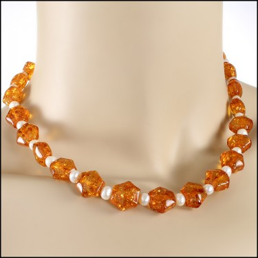 Amber Pearls